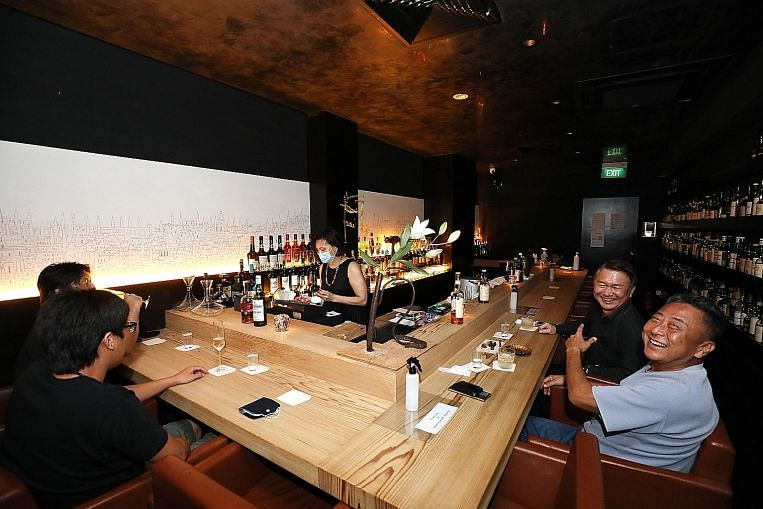 Pilot to reopen karaoke outlets, nightclubs put on hold thumbnail
