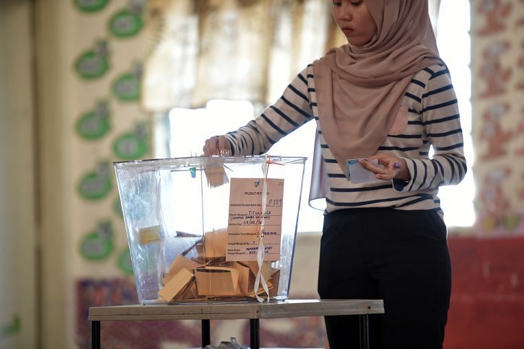 Calls grow in Malaysia to decouple voting reforms