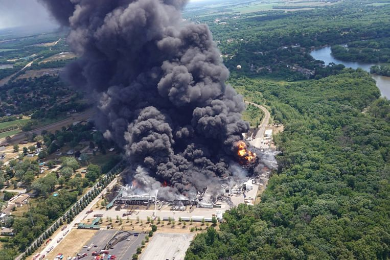 US National Guard deployed to Illinois chemical fire as locals evacuate, United States News & Top Stories