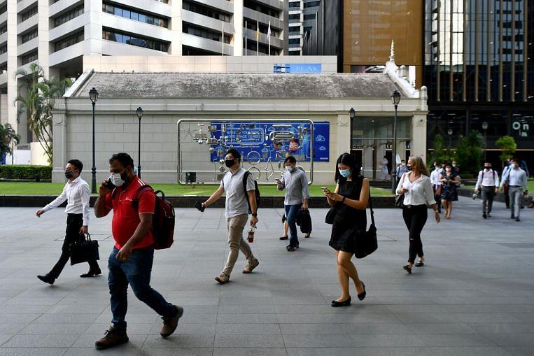 Digital skills programme helps mid-career jobseekers find work before completing course