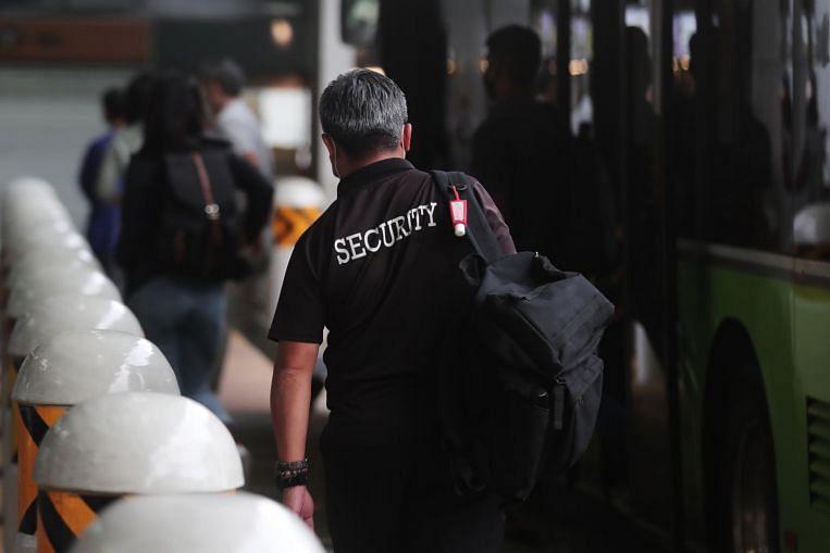 Dos agencias de seguridad acusadas de hacer que los oficiales trabajen más de 12 horas diarias, Courts & Crime News & Top Stories