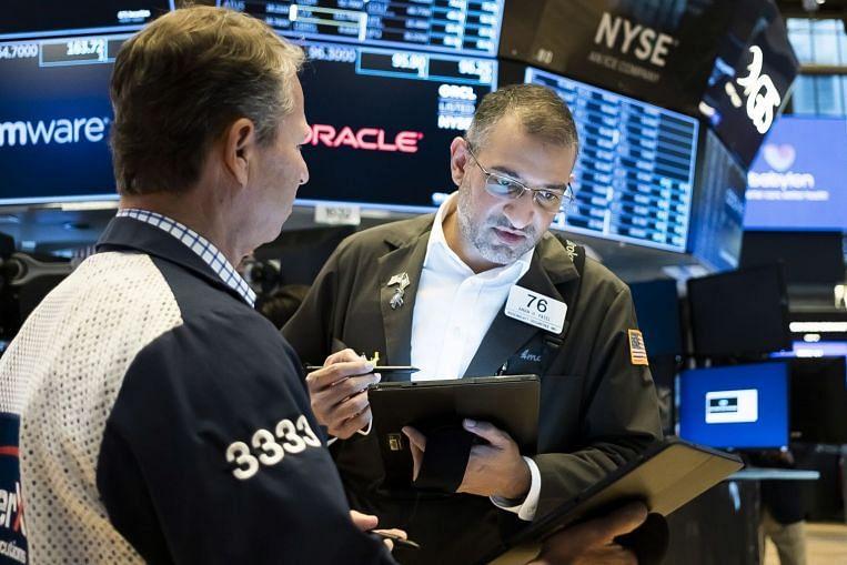 Dow berakhir pada rekod, mengehadkan minggu kukuh untuk saham AS, Berita & Berita Utama Syarikat & Pasaran