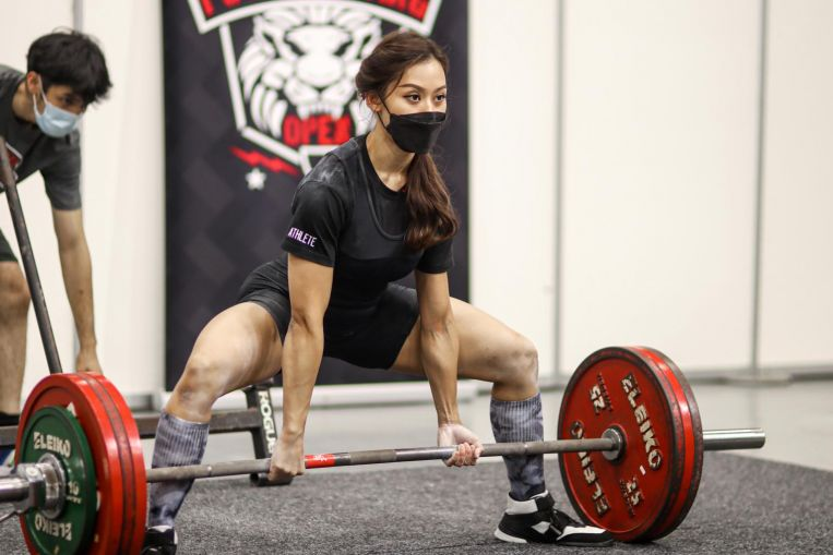 Levantamiento de pesas: la atleta de Singapur Farhanna Farid se emocionó con una nueva marca personal de 196 kg, noticias deportivas y noticias destacadas