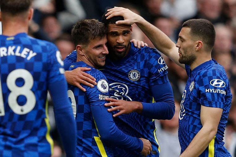 Football: Chelsea and City on fire, Everton implode