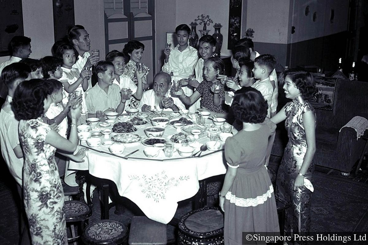 1953: Reunion dinners are traditionally held on Chinese New Year Eve when an entire family, spanning two or more generations, gather for a lavish meal, usually prepared at home.