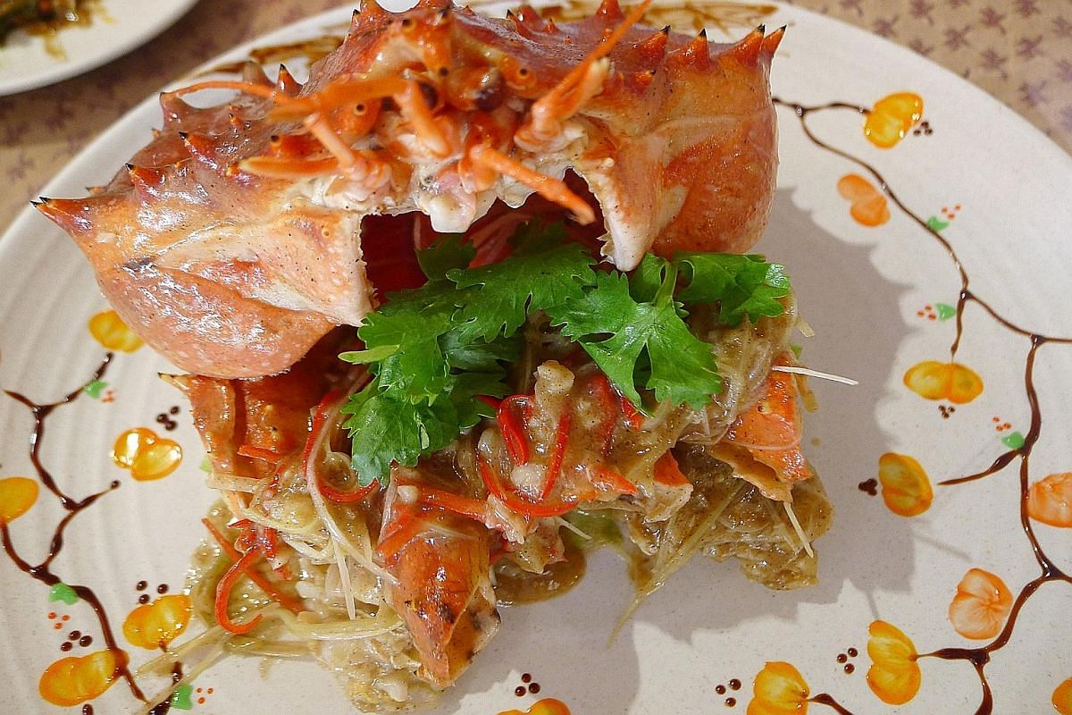 The Alaskan king crab goes well with white pepper despite the slight burn the spice leaves in the mouth.