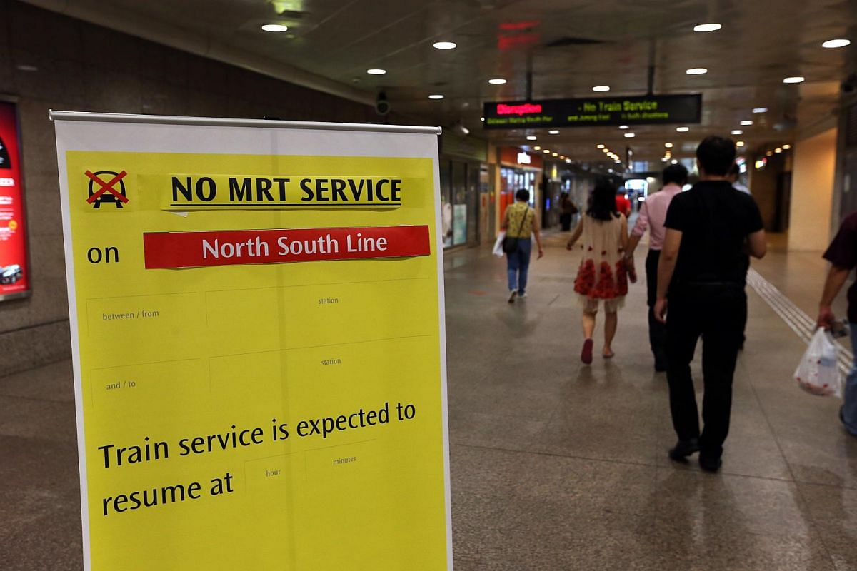 A sign at Lavender MRT at around 10:20pm on Tuesday informed commuters about the train disruption on the North-South line.