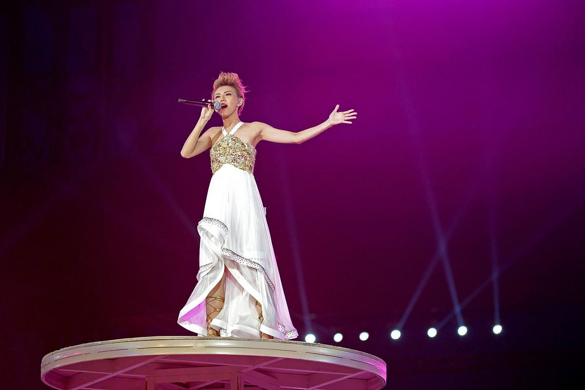 Stefanie Sun sings a medley of national day songs, We Will Get There and One United People.