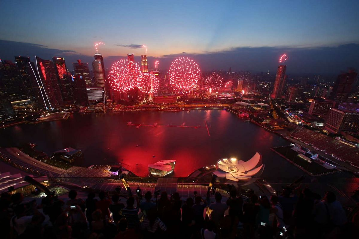 Fireworks over the Marina Bay area during the National Day Parade 2015 preview on Aug 1, 2015.