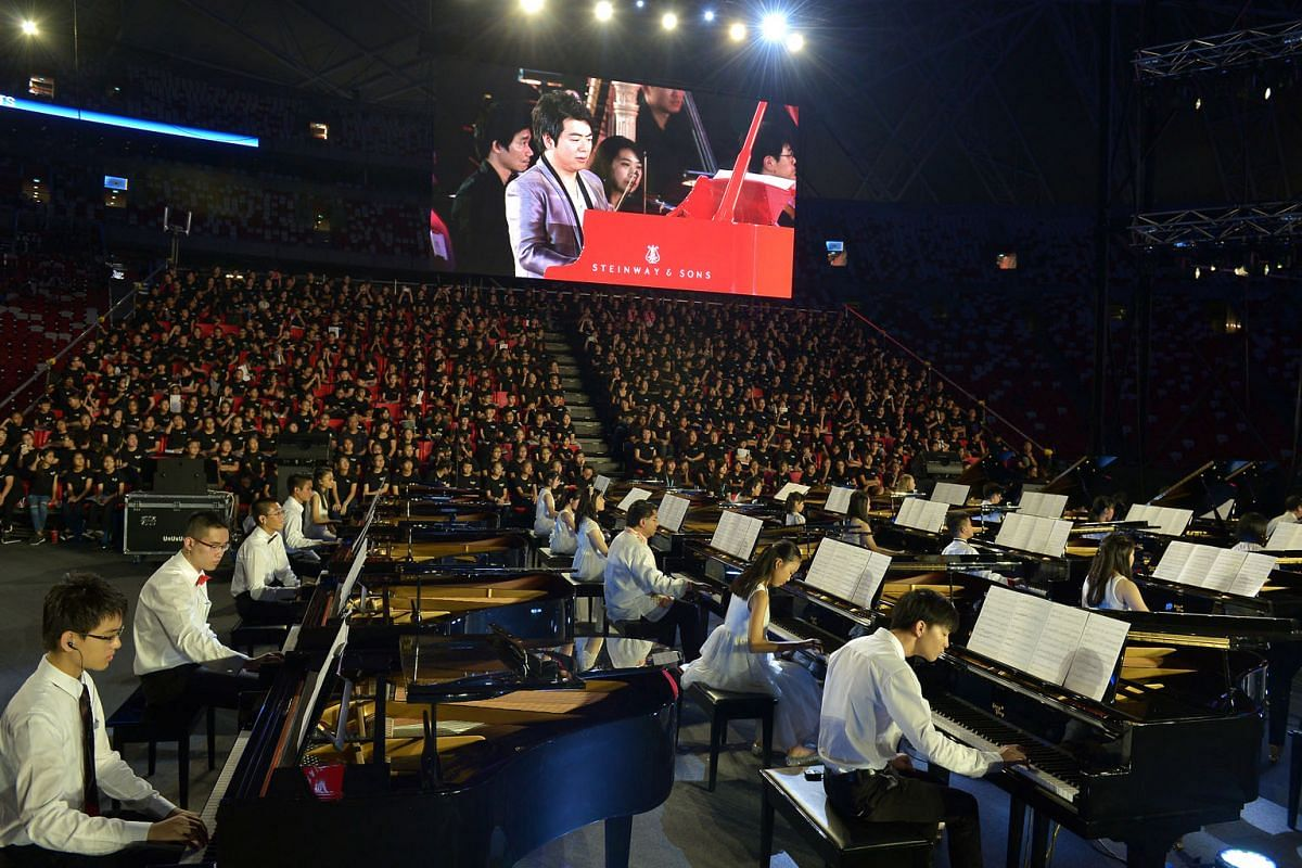 The pianists playing on 50 Steinwaydesigned Lang Lang baby grand pianos were a sight to