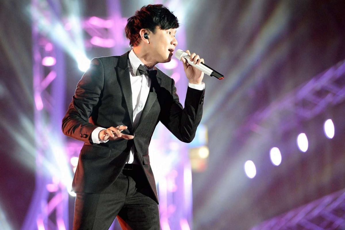 A dapper JJ Lin wowed the crowd with his soulful breakthrough ballad River South.
