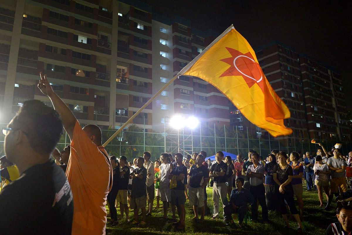 Supporters at the National Solidarity Party rally in Tampines Street 81, on Sept 5, 2015.