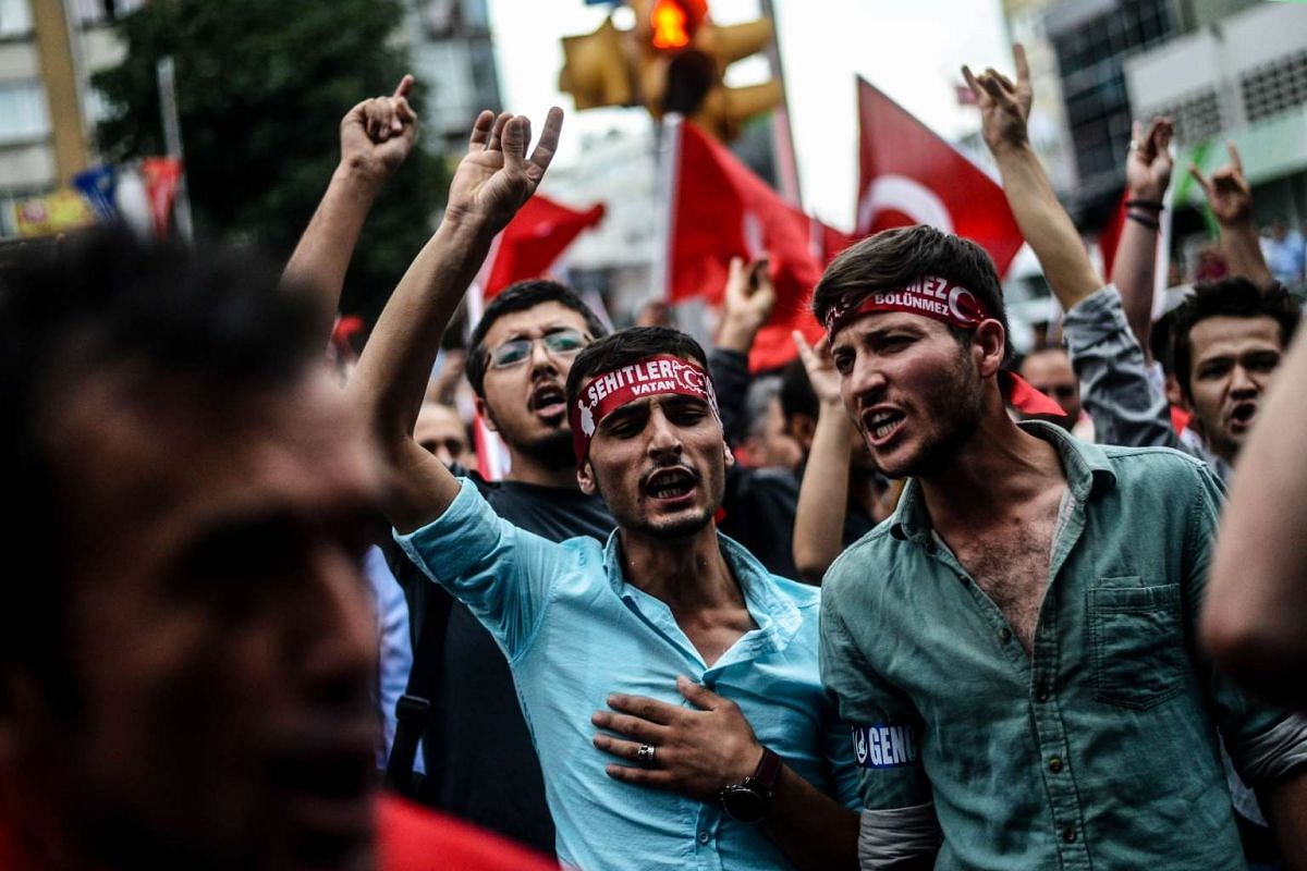 Turkish nationalists demonstrating against the Kurdish Workers Party (PKK) in Istanbul on Sept 8, 2015. PHOTO: AFP/OZAN KOSE