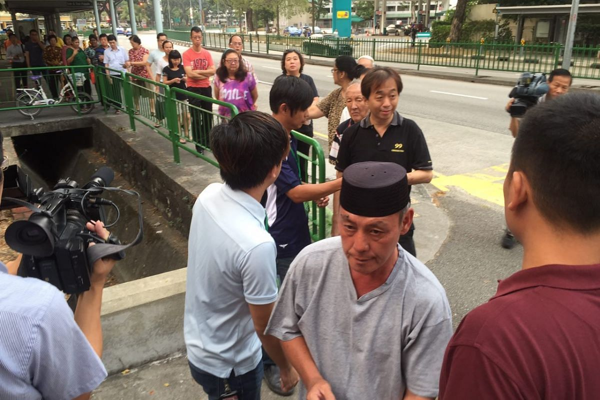 Voters at Pei Chun Public School in Lorong 7, Toa Payoh.