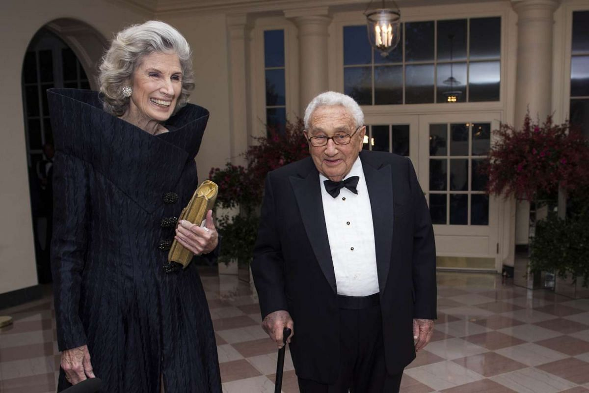 Mr Henry Kissinger, former US diplomat and close friend of the late Singapore leader Lee Kuan Yew, with his wife Nancy.