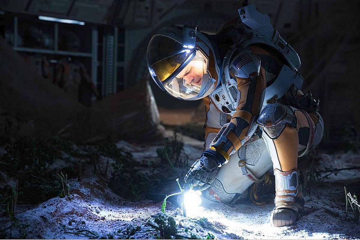 The Martian's trailer leaves the movie undone as it reveals major plot twists.