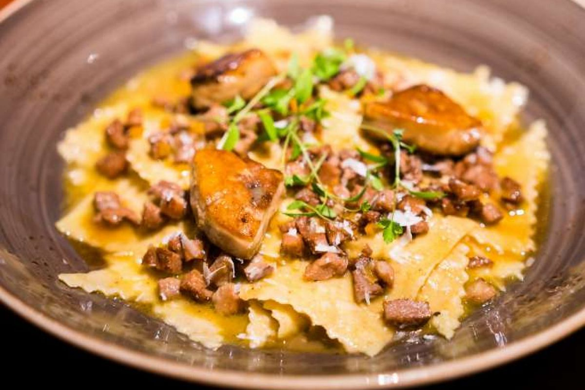 Some of Aura's best dishes include pasta dishes such as Whole Wheat Stracci With Duck & Foie Gras (above) and the Trofie With Truffle Pesto And Prawns, and the Amedei Chocolate & Banana Cake for dessert.