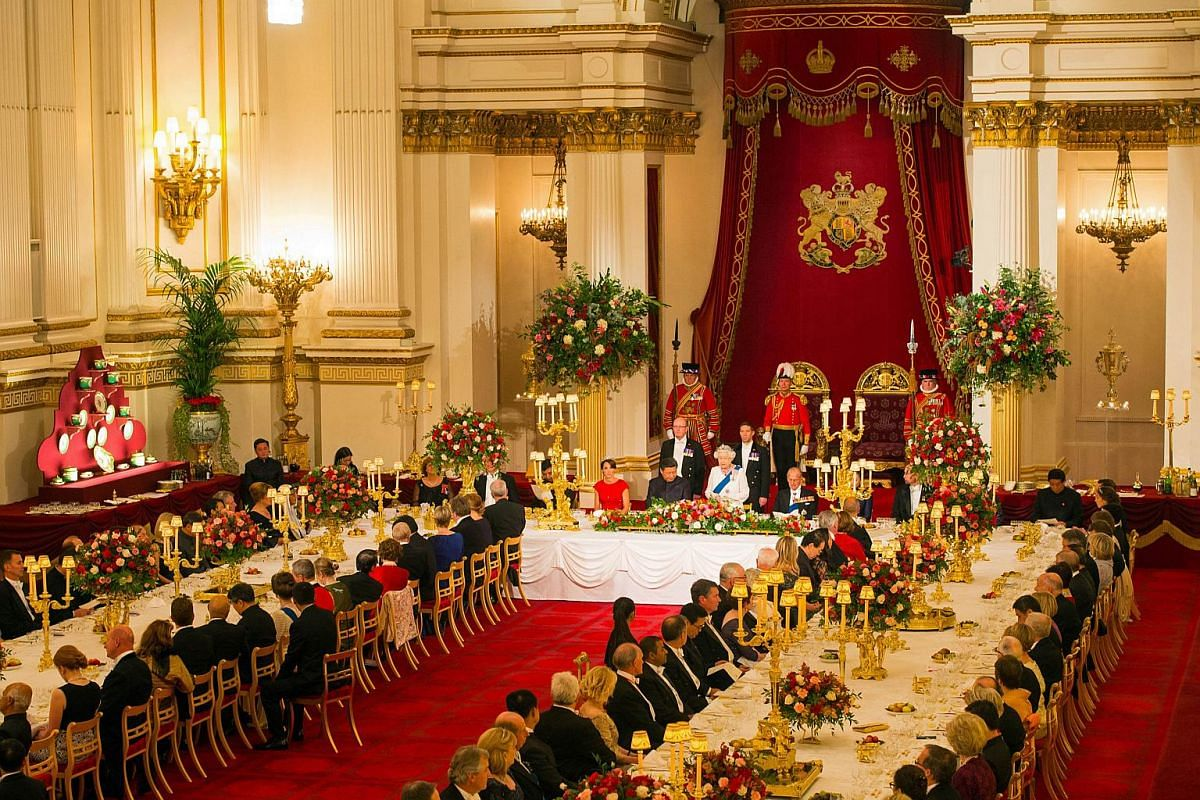 Britain's Queen Elizabeth II hosting a State Banquet for Chinese President Xi Jinping at Buckingham Palace, on Oct 20, 2015.