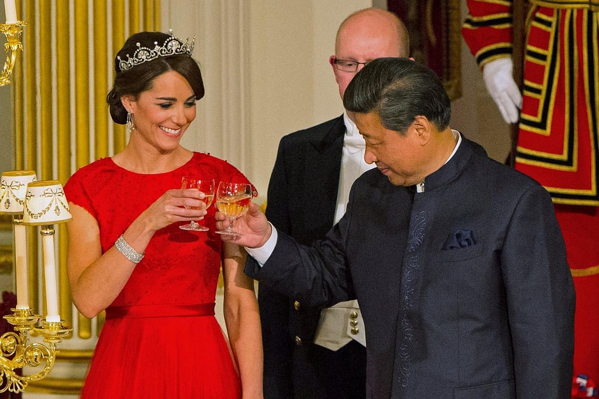 Chinese President Xi Jinping with the Duchess of Cambridge at a state banquet at Buckingham Palace.