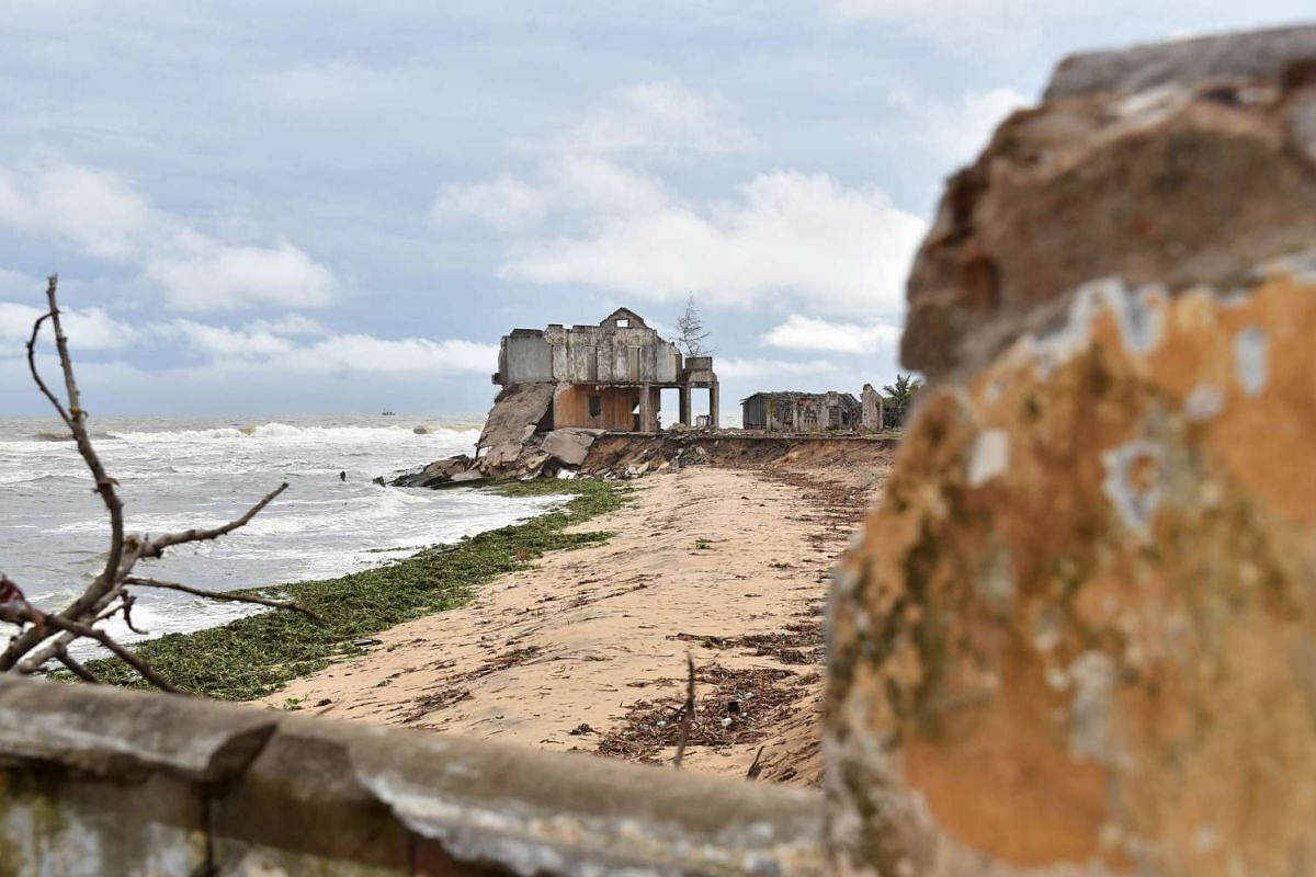 The ruins of the Ivorian town of Grand Lahou, which is in danger of being submerged in 10 years.