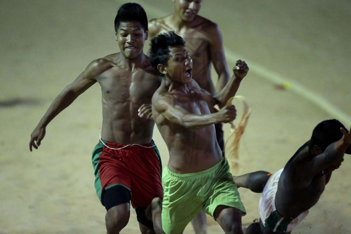 Indigenous people participate in the 100 metres Rustic Race competition during the World Indigenous Games in Palmas, Brazil on Oct 26, 2015.