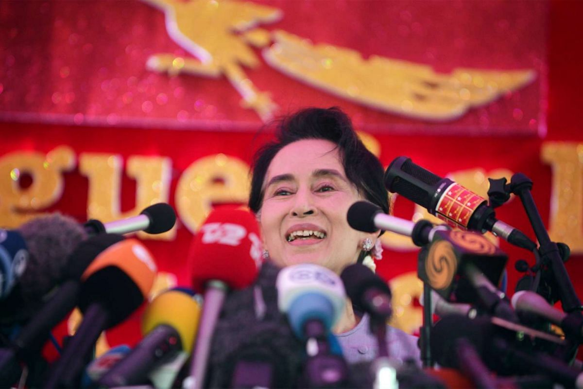 Myanmar National League for Democracy Party leader Aung San Suu Kyi speaking to the media in Yangon on Nov 5, 2015.