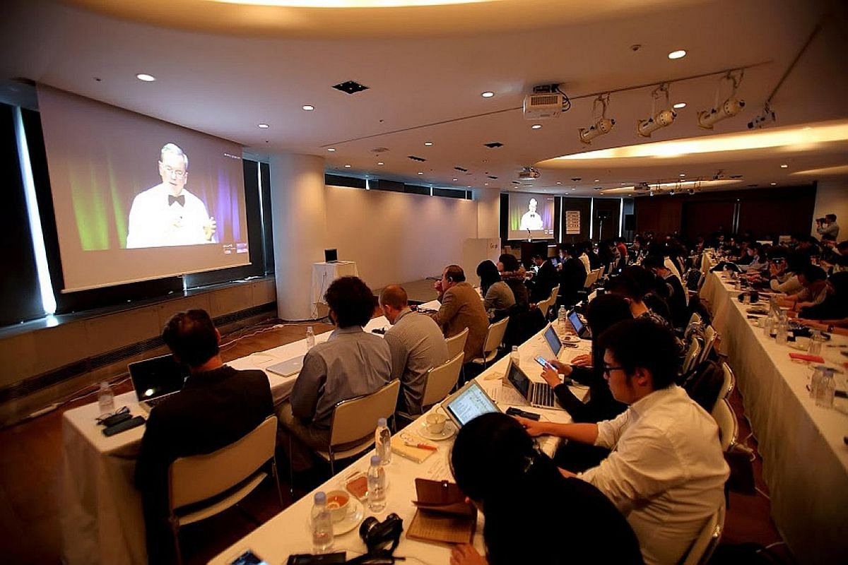 Google executive chairman Eric Schmidt taking questions from the media on machine learning and Google's plans for the technology at a question-and-answer livestream at the Google Asia-Pacific press event held in Tokyo on Nov 10.