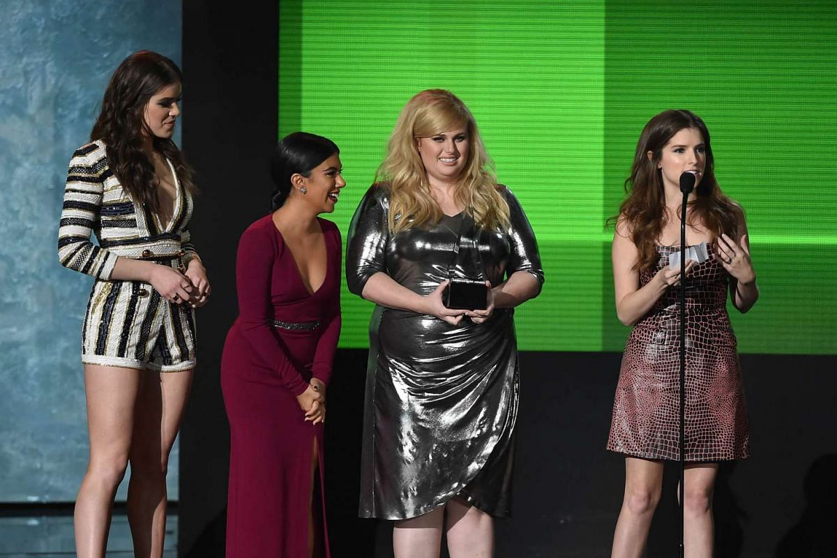 (Left-right) Actresses Hailee Steinfeld, Chrissie Fit, Rebel Wilson, and Anna Kendrick accept Top Soundtrack award for 'Pitch Perfect 2' onstage during the 2015 American Music Awards in Los Angeles, California on Nov 22, 2015