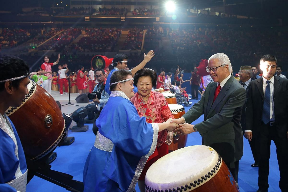 Declared open by President Tony Tan Keng Yam (right), the week-long Games will see about 1,200 para athletes compete in more than 300 events.