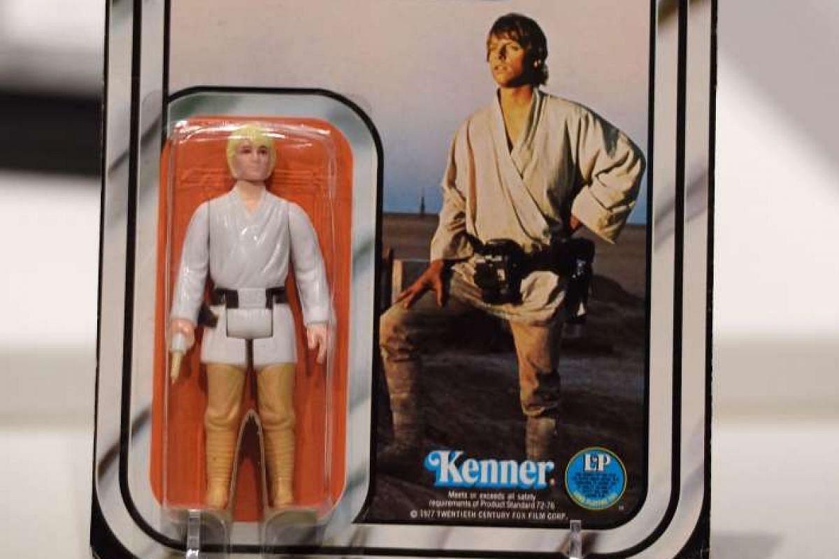 More than 600 Star Wars items will go on sale at an online auction organised by Sotheby's and eBay on Dec 11, including a Star Wars Luke Skywalker action figure valued at above $25,000.