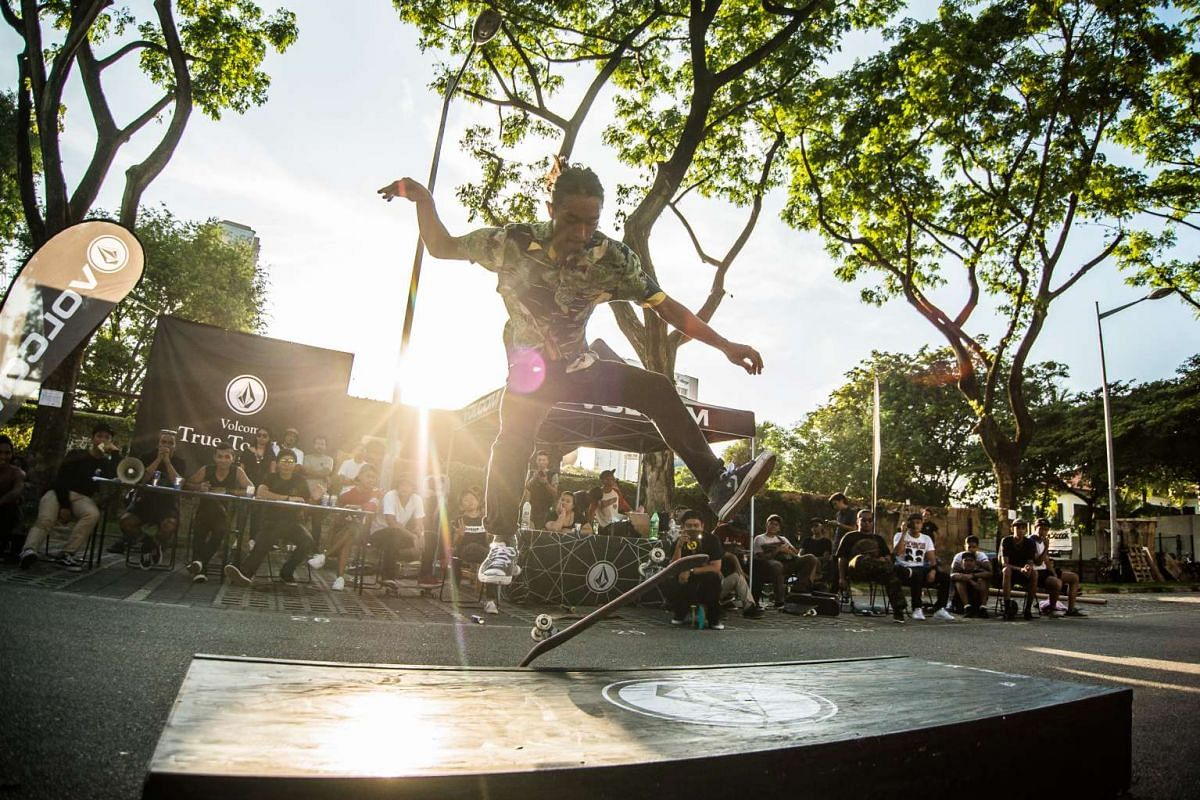 The Aliwal Urban Art Festival showcases street culture and art such as breakdancing, graffiti and skateboarding.