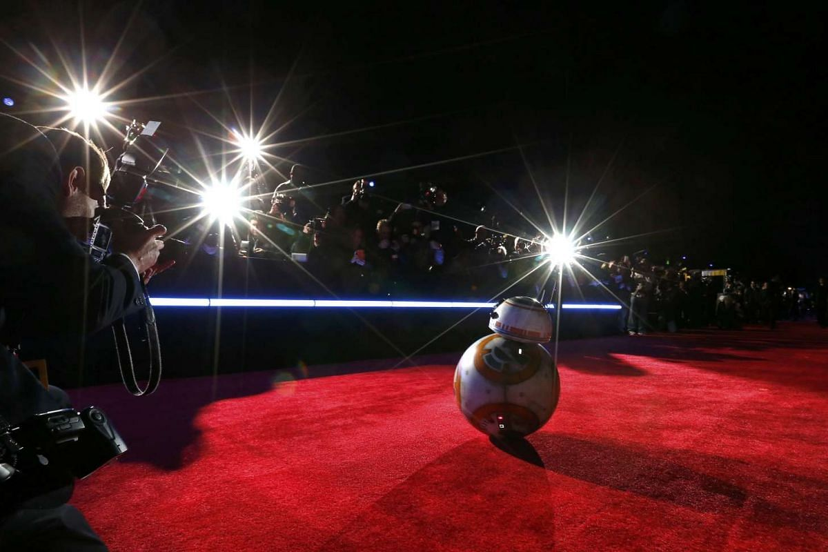 """Droid BB-8 arrives at the world premiere of the film """"Star Wars: The Force Awakens"""" in Hollywood, California, December 14, 2015. PHOTO: REUTERS"""