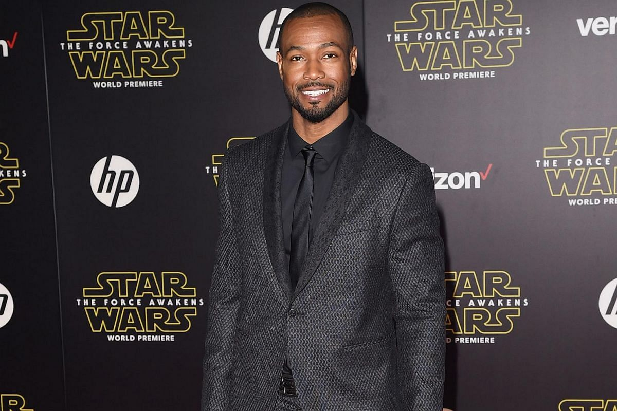 Actor Isaiah Mustafa arriving at the premiere of Star Wars: The Force Awakens.