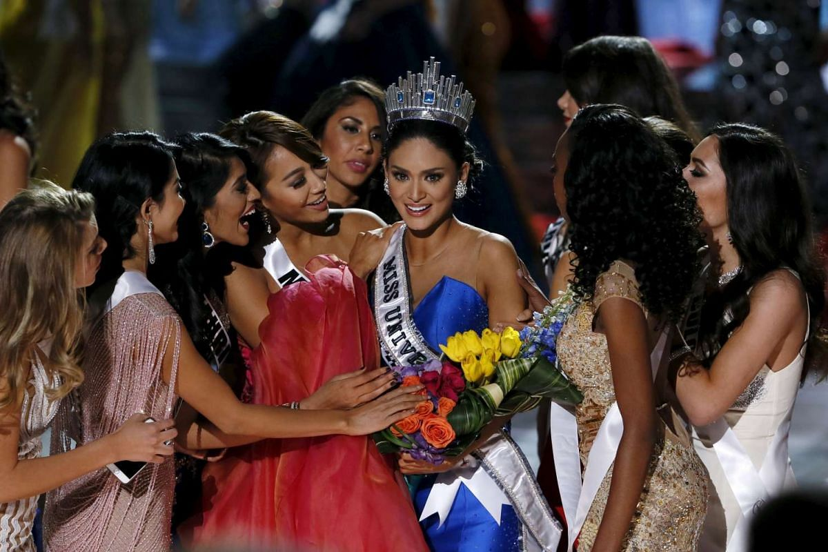 Miss Philippines Pia Alonzo Wurtzbach (centre) after being crowned Miss Universe 2015 on Dec 21, 2015.