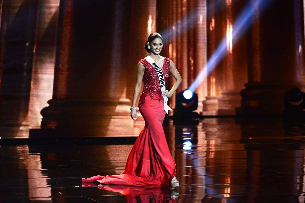 Pia ALonzo Wurtzbach of the Philippines participates during the evening fashion gown contest for the 2016 Miss Universe Pageant in Las Vegas, Nevada, USA, Dec 16, 2015.