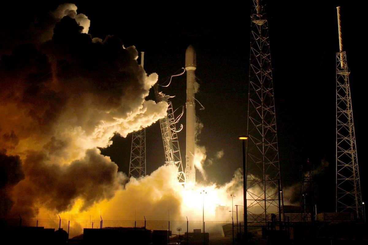 A remodeled version of the SpaceX Falcon 9 rocket lifts off at the Cape Canaveral Air Force Station on Dec 21, 2015.