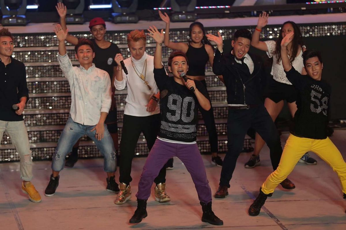 Artistes teaching the crowd some dance moves at Countdown 2016.