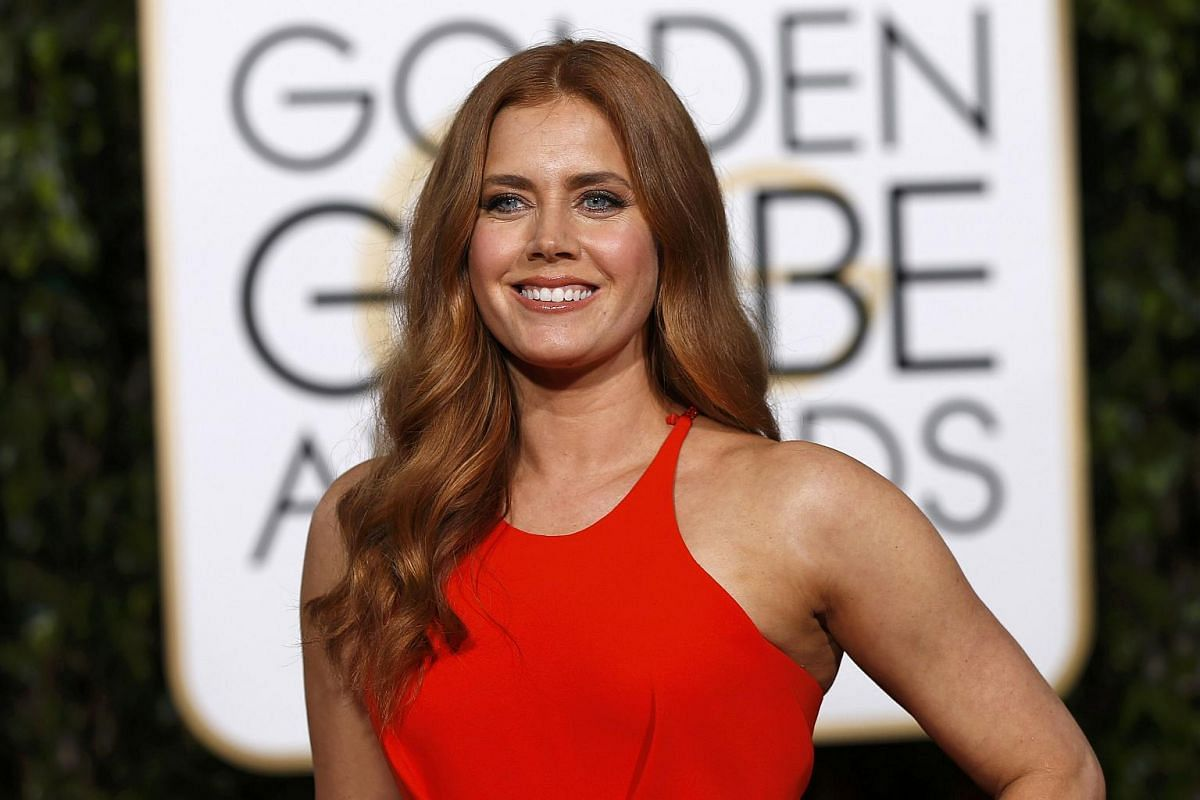 Actress Amy Adams arrives at the 73rd Golden Globe Awards in Beverly Hills, California, on Jan 10, 2016.