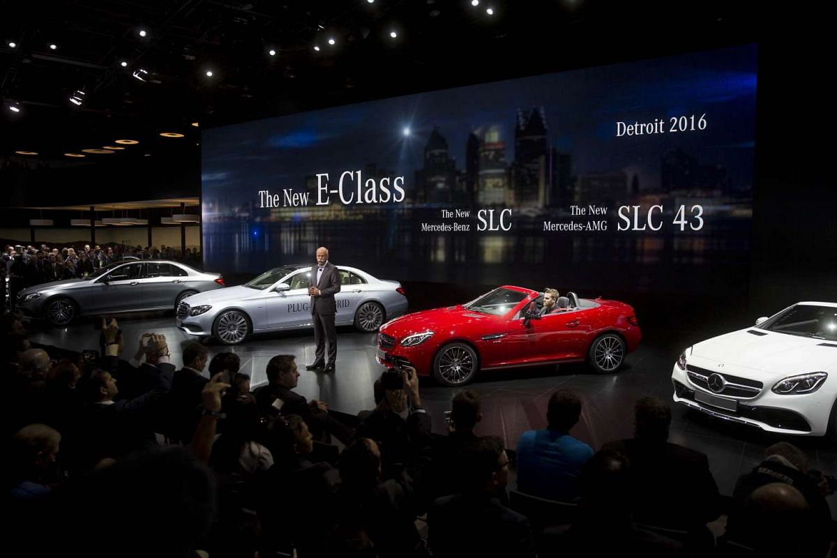 Chief executive officer of Daimler AG Dieter Zetsche speaks during the North American International Auto Show in Detroit, Michigan, on Jan 11, 2016.