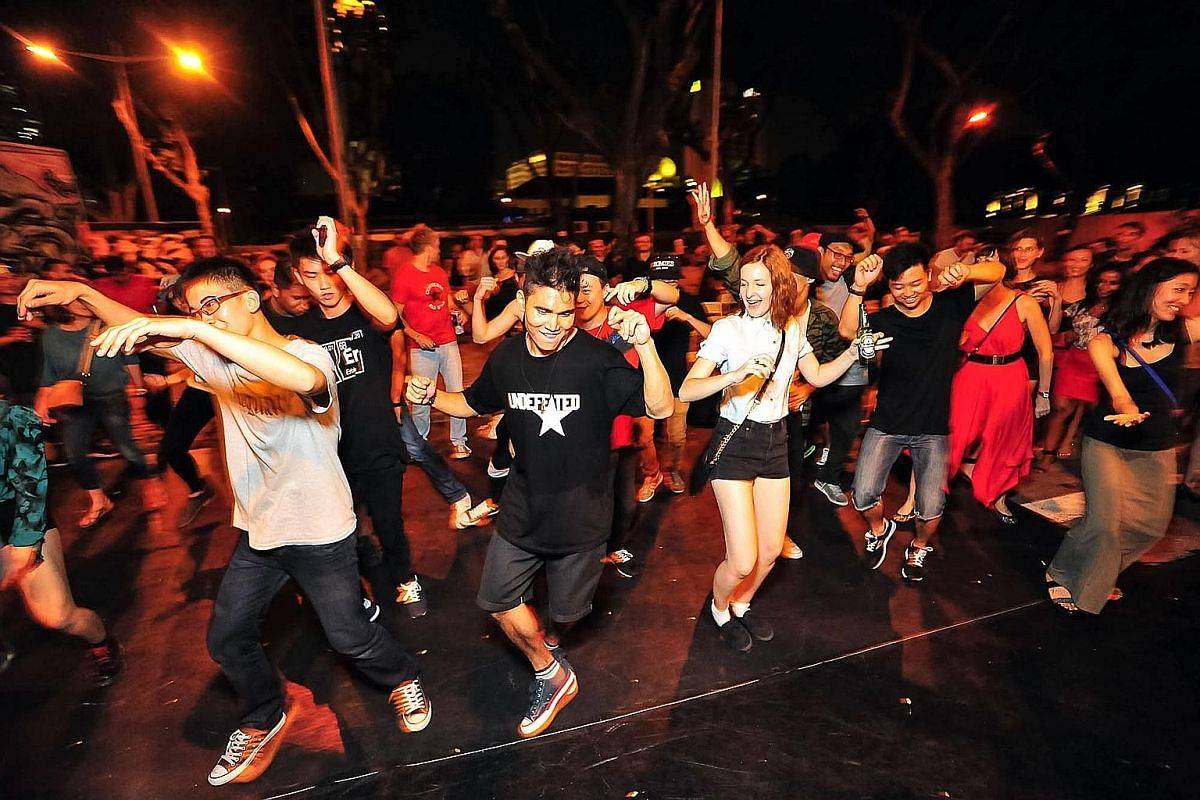 Party the night away at the Aliwal Urban Art Festival.