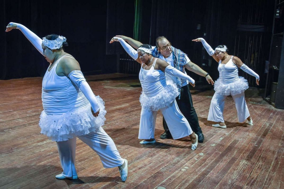 Members of the Danza Voluminosa rehearsing at the National Theatre in Havana, on Jan 13, 2016.