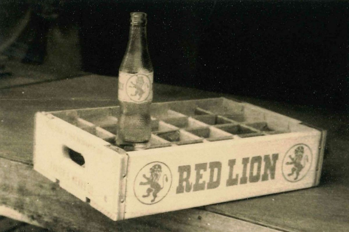 Hiap Chuan Joo produced wooden crates for Red Lion in the 1950s.