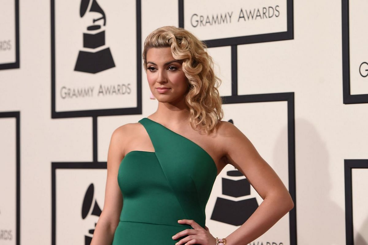 Tori Kelly arriving on the red carpet during the 58th Annual Grammy Music Awards.