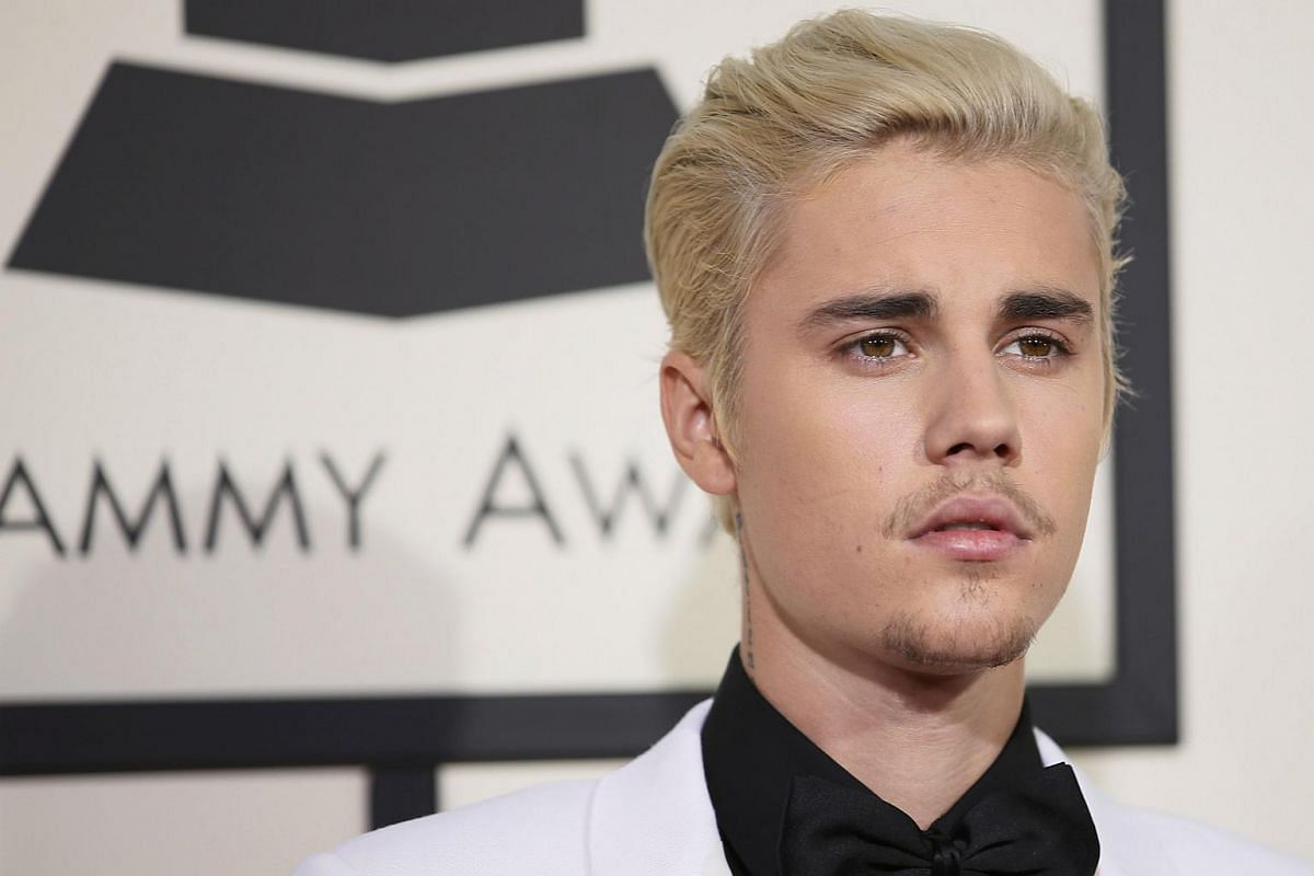 Justin Bieber arriving at the 58th Grammy Awards.