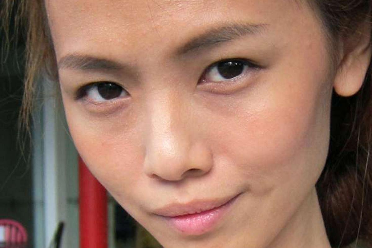 2012: After narrowing her nostrils.