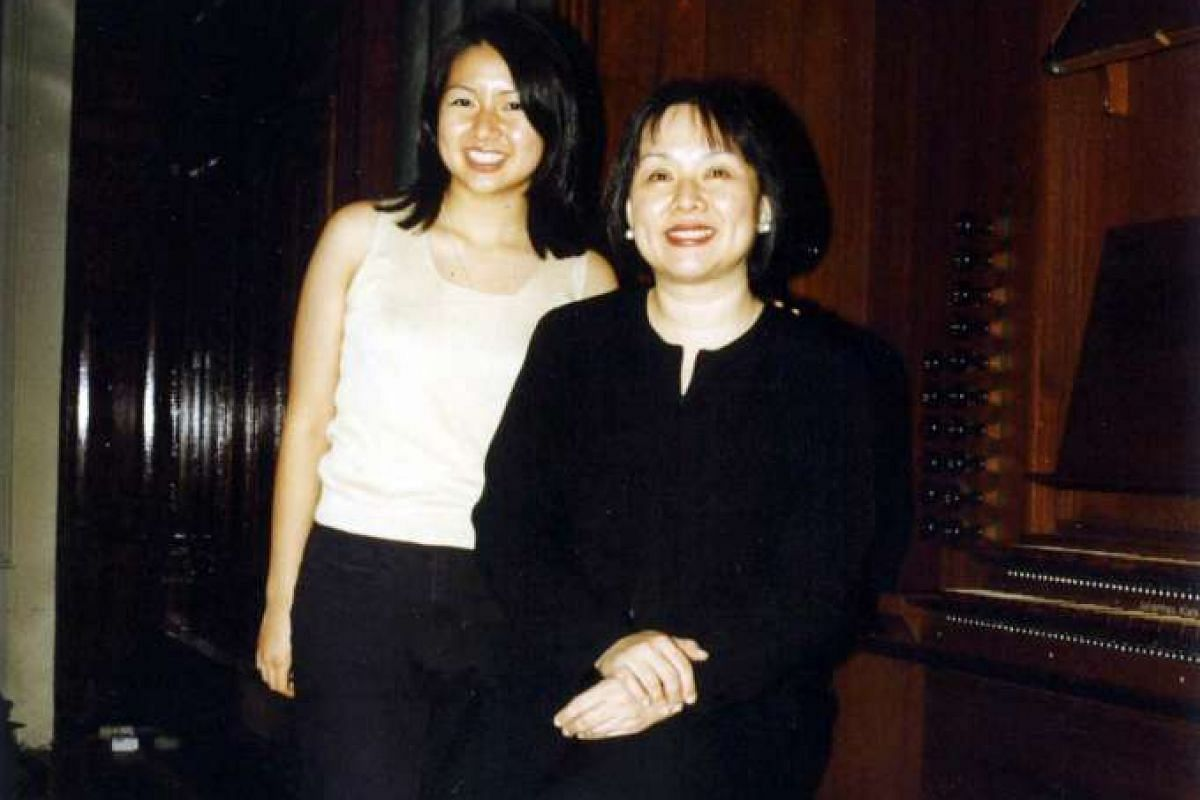 My life so far: Dr Chen with her daughter Kirstin (both above) in 1995. Kirstin was turning pages for a recital at the Victoria Concert Hall.
