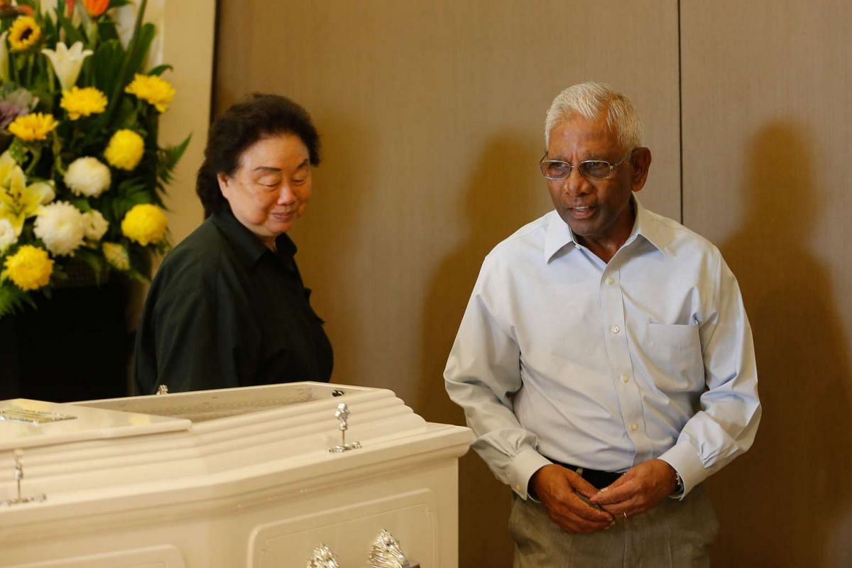 Ex-minister S Dhanabalan at the wake of former PAP old guard Lee Khoon Choy, who passed away on Saturday (Feb 27) morning.