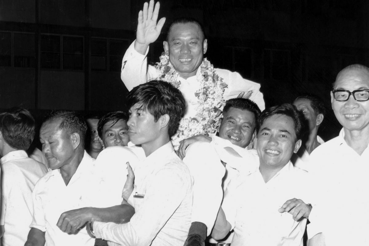 Mr Lee Khoon Choy after his victory at the Hong Lim by-election in 1965.