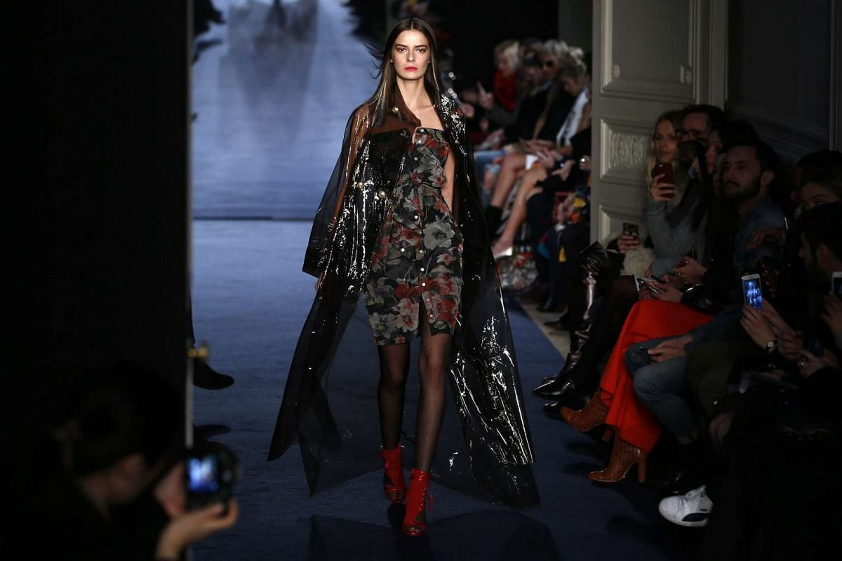 A model presents a creation from the Fall/Winter 2016/17 Collection by French designer Alexis Mabille during the Paris Fashion Week, on March 3, 2016.
