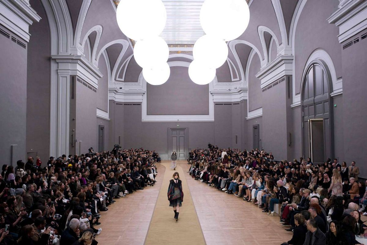 A model presents a creation by Chloe for the 2016-2017 Fall/Winter collection, on March 3, 2016 in Paris.